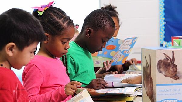 Students reading withGeodes